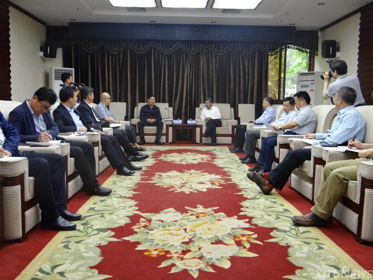 新沂市政府来校推进校地合作辽宁中公教育课程