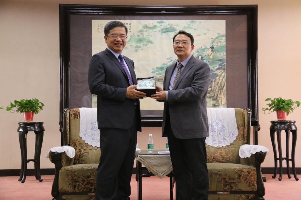 台湾高雄科技大学代表团来访北京周边的海边哪好玩