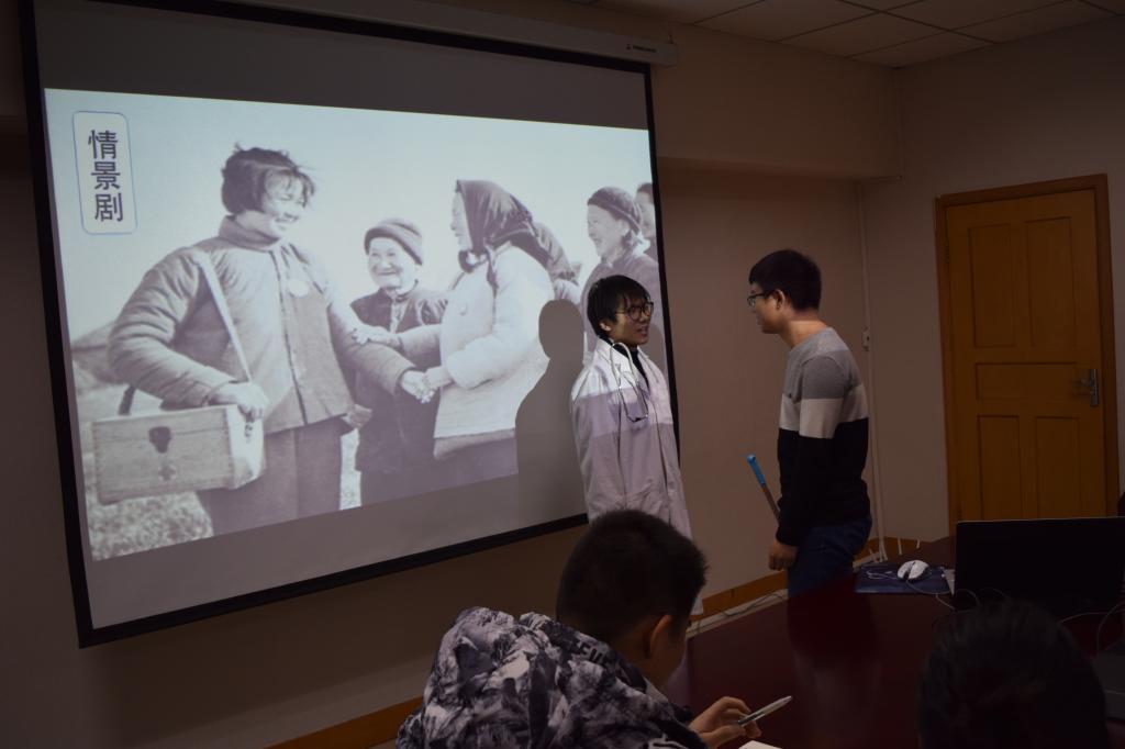 颜虹副校长参加宗濂书院2015级第一党支部组织生活会