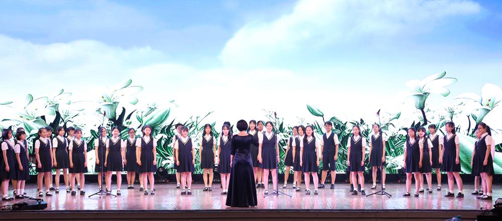 """西安交大附中奏响""""改革四十载,奋斗谱新篇""""2019新年音乐会"""