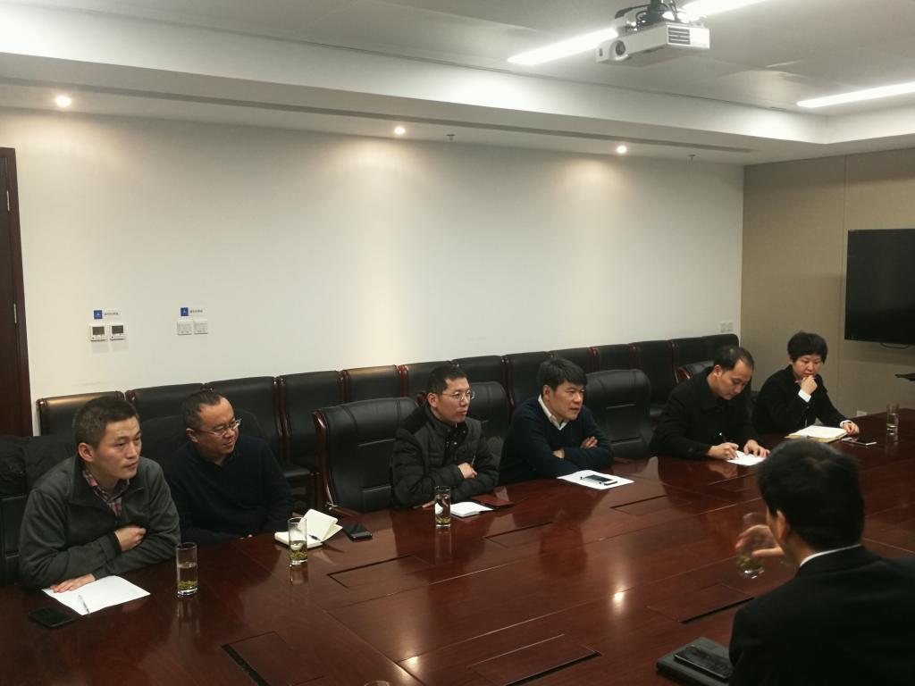 学校党委部门负责同志赴西咸新区慰问挂职干部走访校友